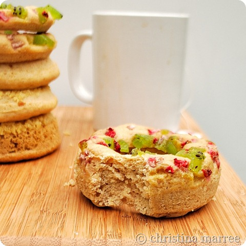 strawberry kiwi baked donuts